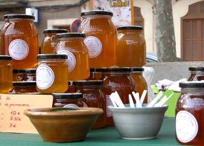 Honey Fair in Llubí