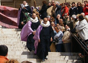 Via Crucis on the stairs of the Cathedral